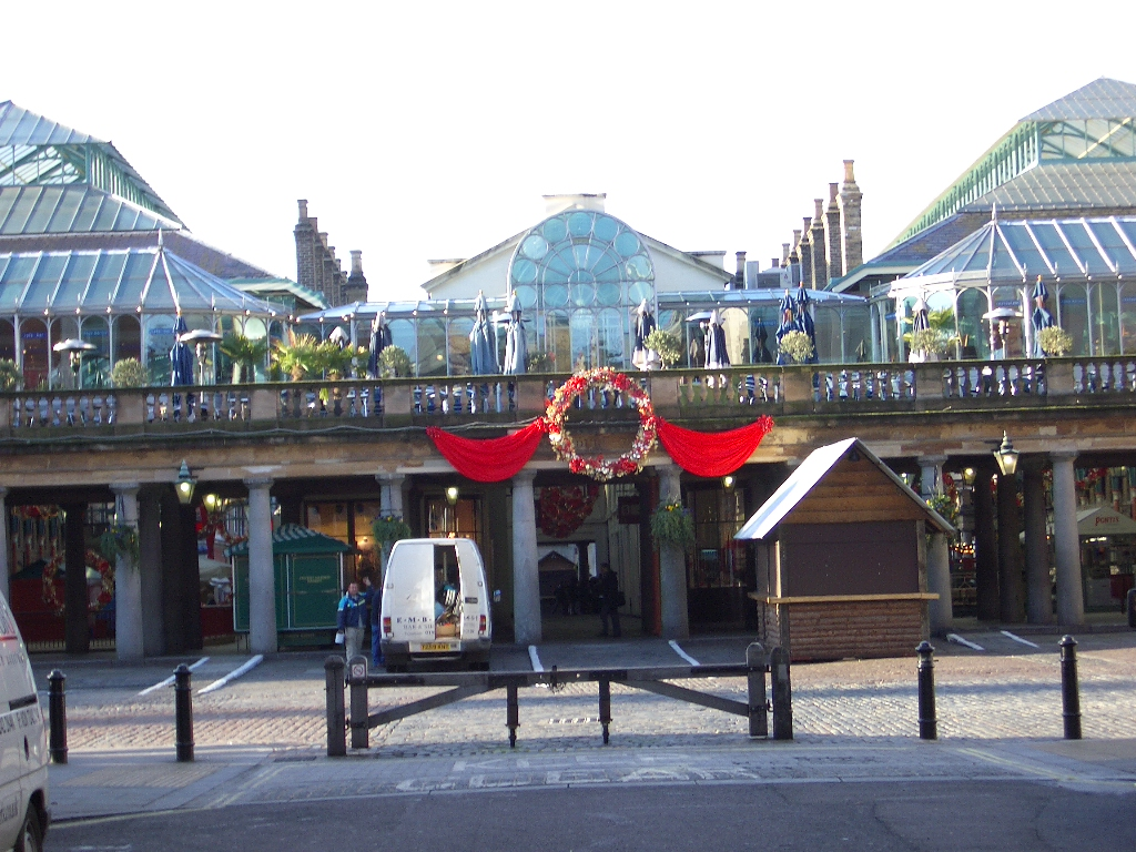 CoventGardenXmasDecor.jpg