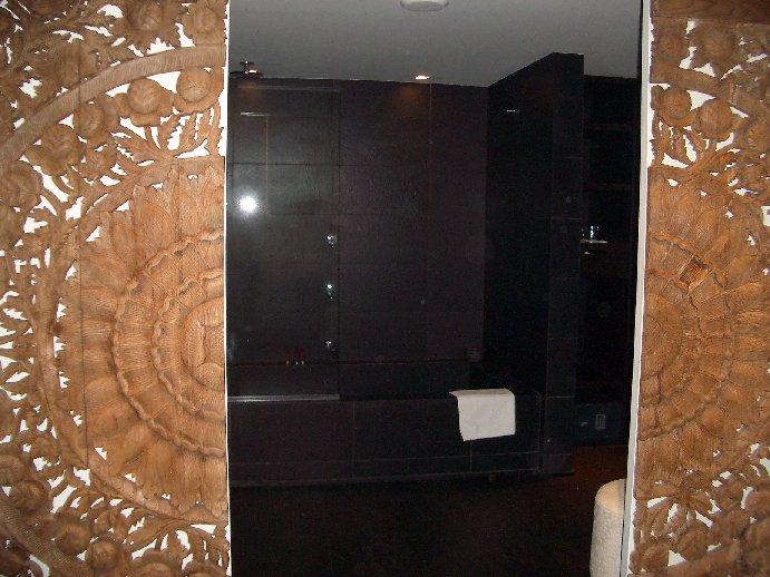 Puro Hotel Bathroom